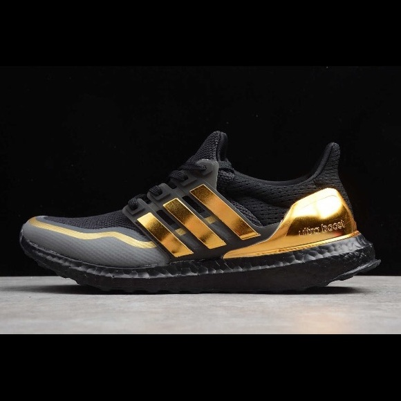 adidas metallic gold prezzo